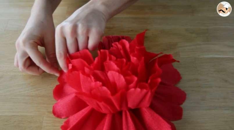 Fleur En Papier Crepon Pour Votre Table De Fetes