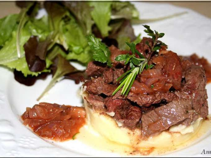 Parmentier d'onglet, sauce echalote