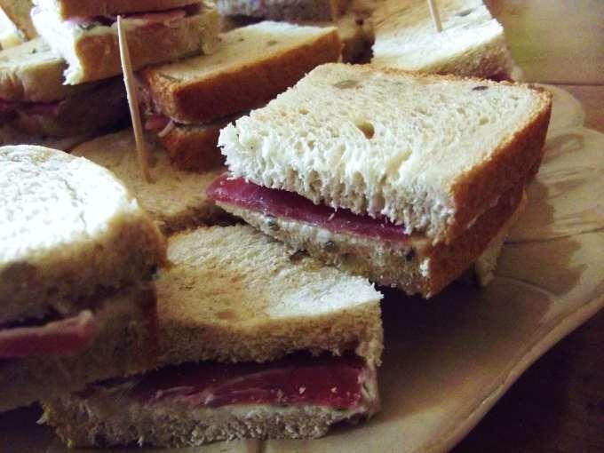 Sandwich avec jambon sec 6 recettes sur ptitchef - Recette sandwich pain de mie ...