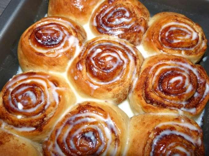 Cinnamon rolls roul s la cannelle recette ptitchef - Roule a la cannelle ...