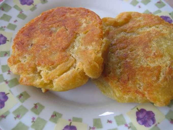 Galettes de banane plantain recette ptitchef - Cuisiner des bananes plantain ...