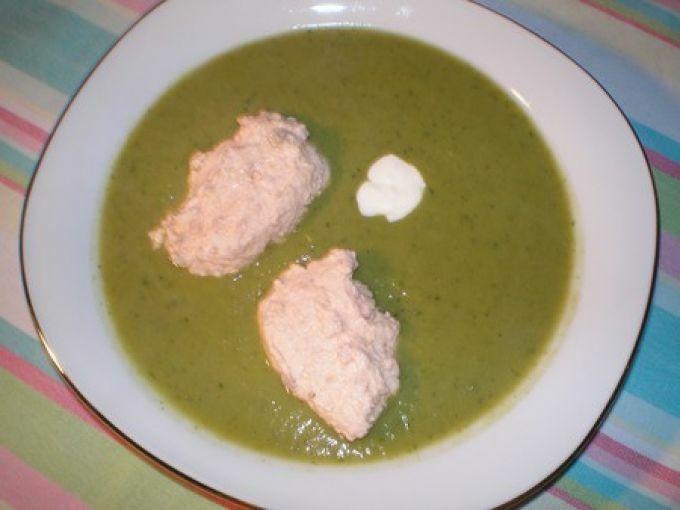 Velout petits pois brocolis aux quenelles de saumon recette ptitchef - Veloute brocolis thermomix ...
