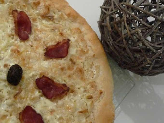 pizza avec magret de canard 2 recettes sur ptitchef. Black Bedroom Furniture Sets. Home Design Ideas
