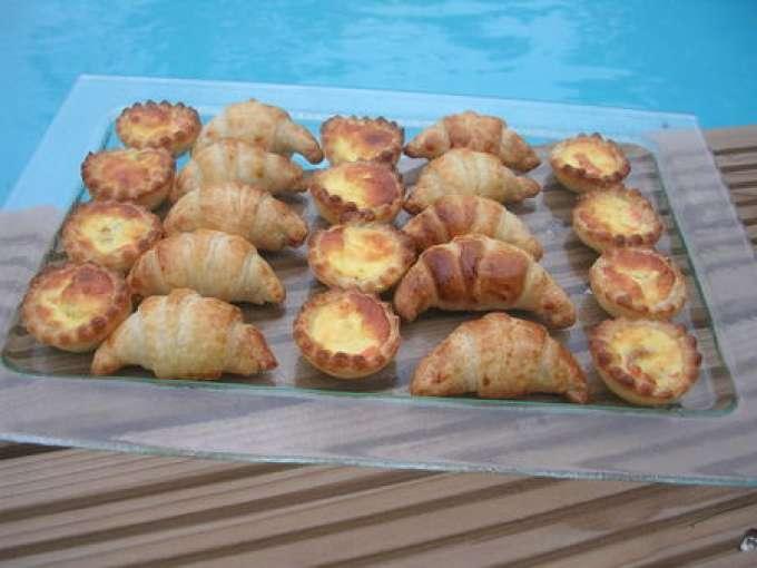 croissants et mini quiches pour l 39 ap ritif recette ptitchef. Black Bedroom Furniture Sets. Home Design Ideas