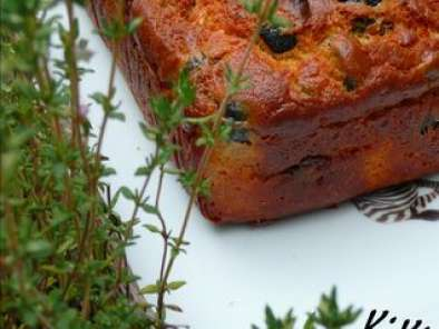 Recette Cake anchois, olives noires, thym et tomate sechees