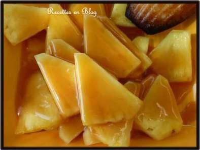 ananas a la cr me de caramel au beurre sale recette ptitchef. Black Bedroom Furniture Sets. Home Design Ideas