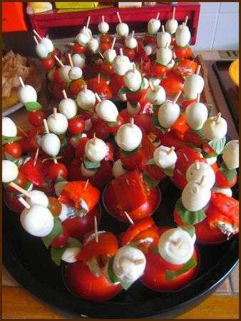 Ap ro dinatoire brochettes tomates et anti pastis recette ptitchef - Brochettes apero dinatoire ...
