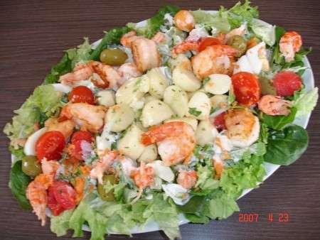 Assiette de salade l g re aux scampis past que et melon for Entree rapide et legere