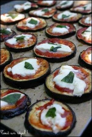 aubergines grill es tomates et mozzarella recette ptitchef. Black Bedroom Furniture Sets. Home Design Ideas
