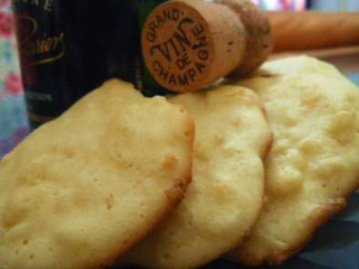 Biscuits au champagne et chocolat blanc