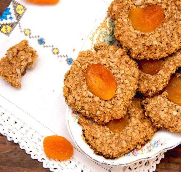 biscuits sant 233 aux flocons d avoine et abricots secs recette ptitchef