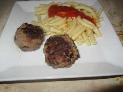 boulettes a base de steak hach recette ptitchef. Black Bedroom Furniture Sets. Home Design Ideas