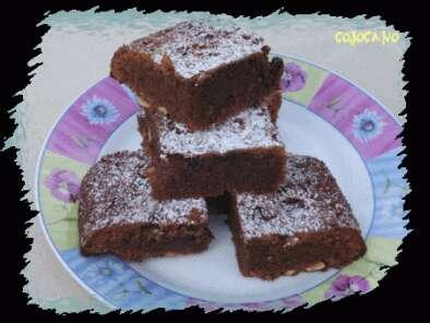 brownie chocolat au lait noisettes amandes recette ptitchef. Black Bedroom Furniture Sets. Home Design Ideas