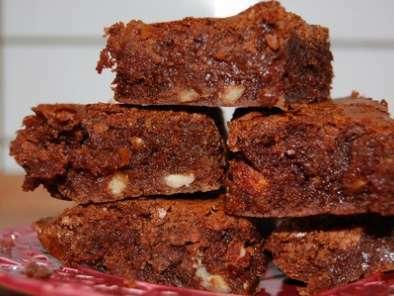 brownies aux noisettes chocolat noir et chocolat au lait. Black Bedroom Furniture Sets. Home Design Ideas