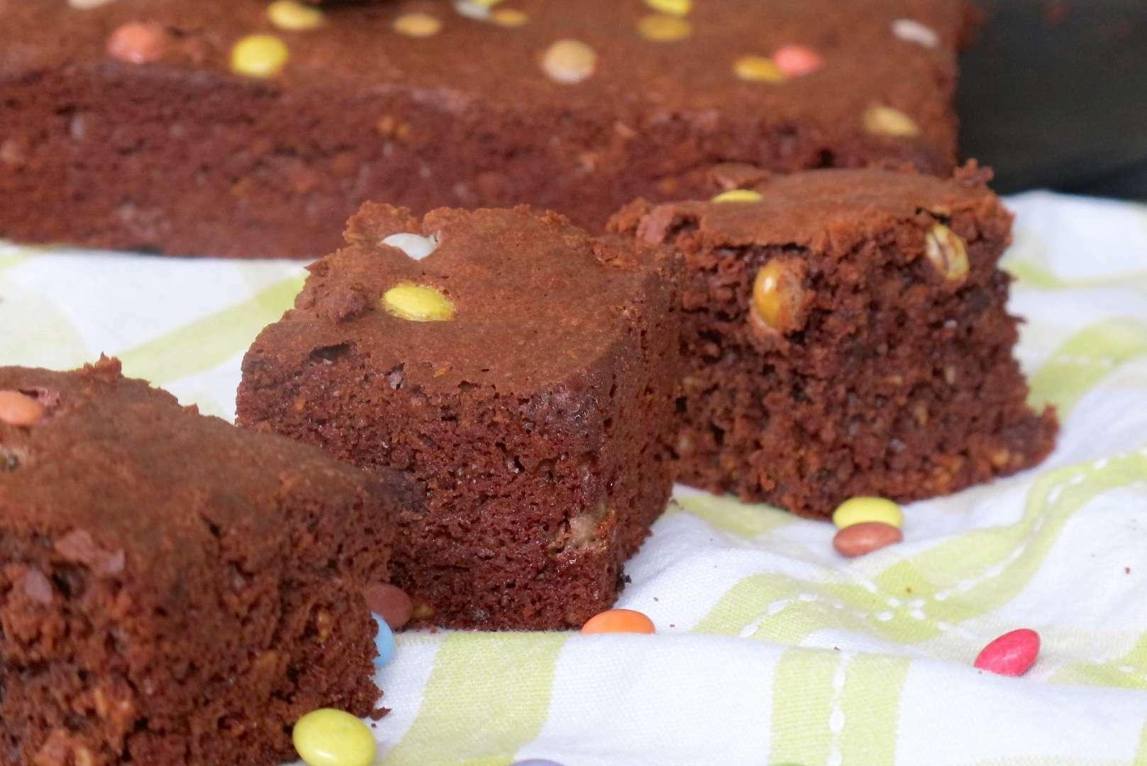 brownies aux smarties et flocons d avoine recette ptitchef