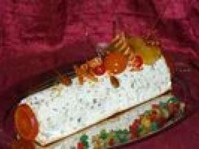 Buche De Nougat Glace Aux Fruits Confits Et Nougatine Recette Ptitchef