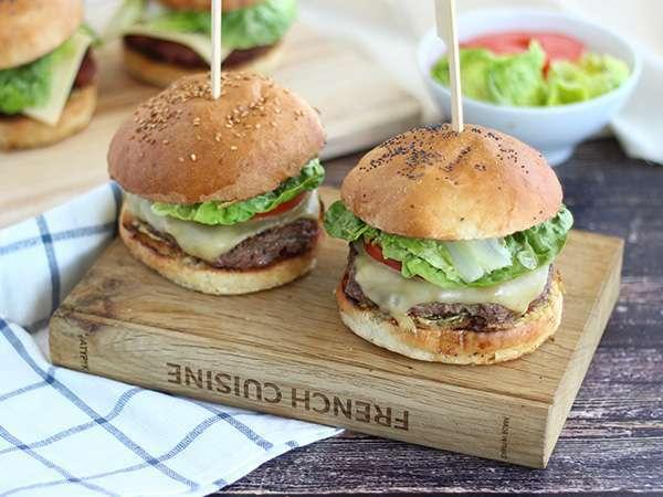 Burger maison facile et rapide recette ptitchef - Recette hamburger maison original ...