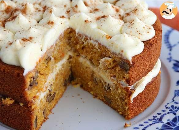 Carrot cake aux noix g teau carottes cr me cream cheese noix recette ptitchef - Recette carrot cake americain ...