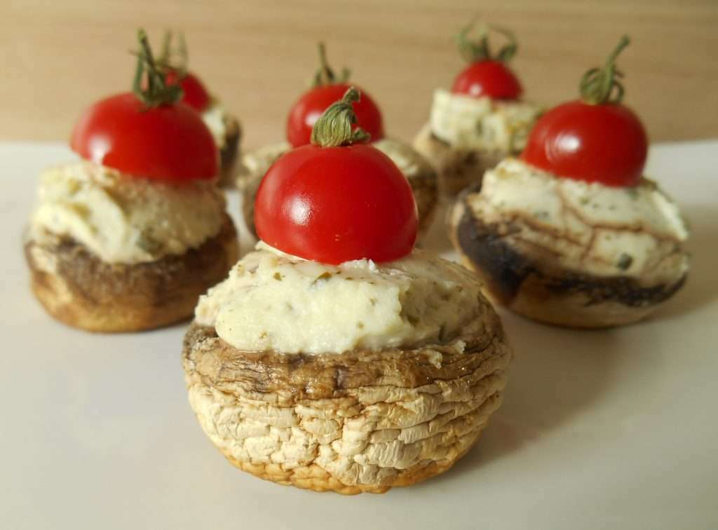 champignons farcis au fromage ail fines herbes recette ptitchef. Black Bedroom Furniture Sets. Home Design Ideas