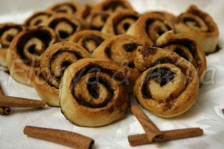 cinnamon rolls ou roul la cannelle recette ptitchef. Black Bedroom Furniture Sets. Home Design Ideas