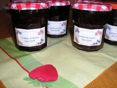 confiture de fraises avec une pointe de vin rouge recette ptitchef. Black Bedroom Furniture Sets. Home Design Ideas