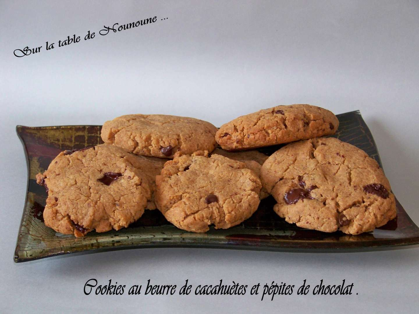 cookies au beurre de cacahu te et p pites de chocolat recette ptitchef. Black Bedroom Furniture Sets. Home Design Ideas