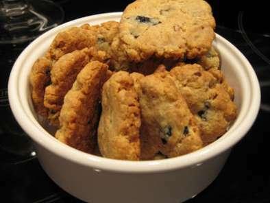 cookies sal s au parmesan aux noix et aux olives recette ptitchef. Black Bedroom Furniture Sets. Home Design Ideas