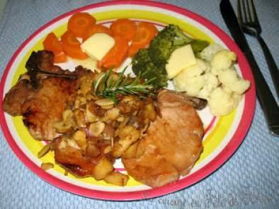 C telettes de porc aux pommes amandes et l 39 rable recette ptitchef - Cotelette de porc coupe hotel ...