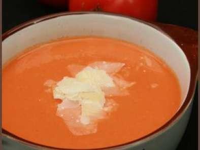 cr me de tomate au parmesan recette ptitchef. Black Bedroom Furniture Sets. Home Design Ideas