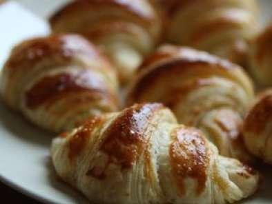 croissants au beurre selon c felder recette ptitchef. Black Bedroom Furniture Sets. Home Design Ideas