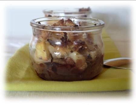 crumbles sans beurre pommes chocolat et noix recette ptitchef. Black Bedroom Furniture Sets. Home Design Ideas