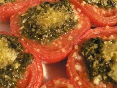 Cuisiner un reste de poulet avec des tomates gratin es au pesto recette ptitchef - Cuisiner reste de poulet ...