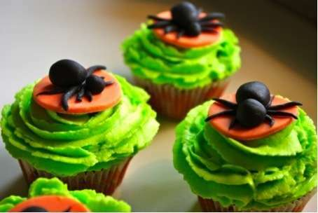 cupcakes d 39 halloween recette ptitchef. Black Bedroom Furniture Sets. Home Design Ideas