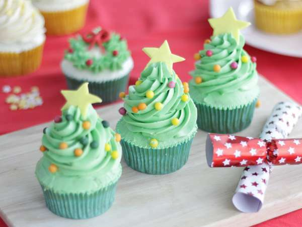 Cupcakes d cor s pour no l recette ptitchef - Recette de cupcake facile ...