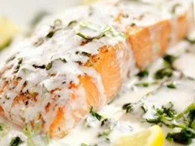 Darne de saumon sauce l 39 oseille recette ptitchef - Cuisiner darne de saumon ...