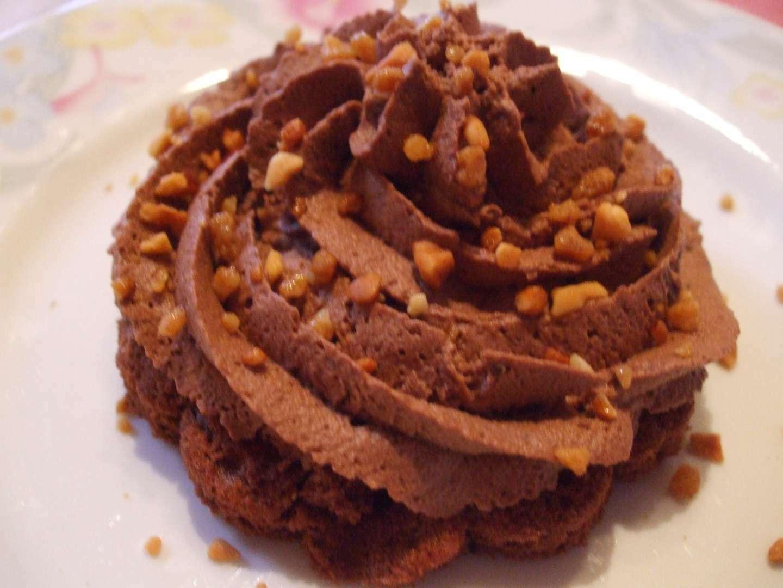 delice de mousse au chocolat sur biscuit moelleux au chocolat recette ptitchef. Black Bedroom Furniture Sets. Home Design Ideas