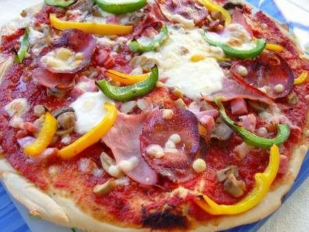 Des pizzas pour un dimanche soir entre amis recette for Menu pour un soir entre amis