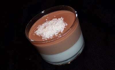 Double panna cotta noix de coco chocolat au lait recette ptitchef - Panna cotta noix de coco ...