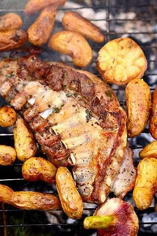 Epigramme d 39 agneau au barbecue ail frais et rattes du - Comment cuisiner les rattes du touquet ...