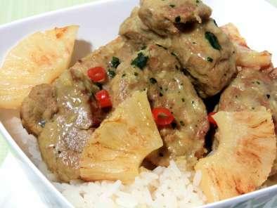 filet mignon de porc au curry et lait de coco recette facile recette ptitchef. Black Bedroom Furniture Sets. Home Design Ideas