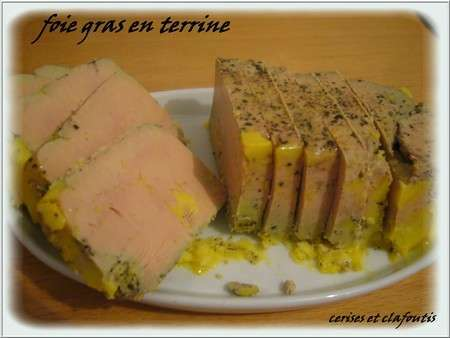 foie gras mi cuit en terrine recette ptitchef. Black Bedroom Furniture Sets. Home Design Ideas