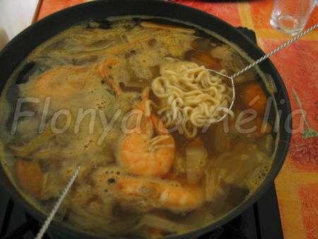 Fondue asiatique entre ami e s recette ptitchef - Fondue vietnamienne cuisine asiatique ...