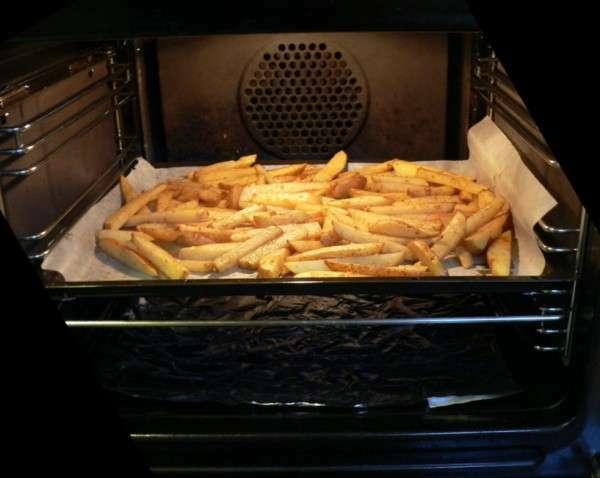 Frites au four pour les enfants recette ptitchef - Frites pour friteuse au four ...