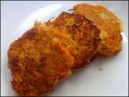 galettes de carottes pommes de terre piquantes recette ptitchef. Black Bedroom Furniture Sets. Home Design Ideas
