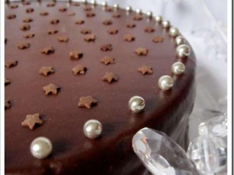 Gâteau Danniversaire Au Chocolat Et Framboises