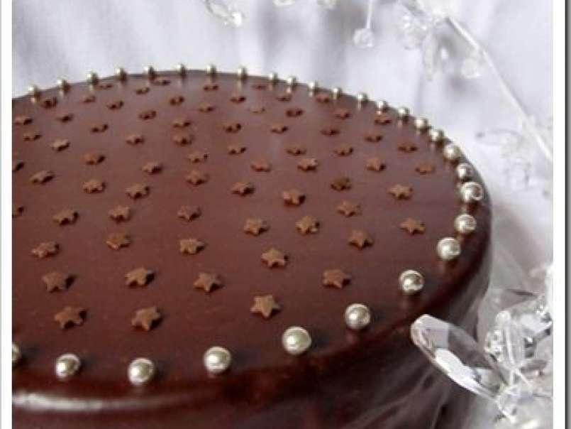 Gateau D Anniversaire Au Chocolat Et Framboises Recette Ptitchef