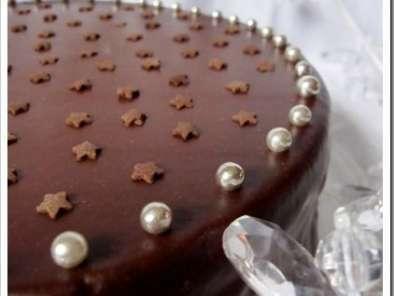 Gâteau d\u0027anniversaire au chocolat et framboises