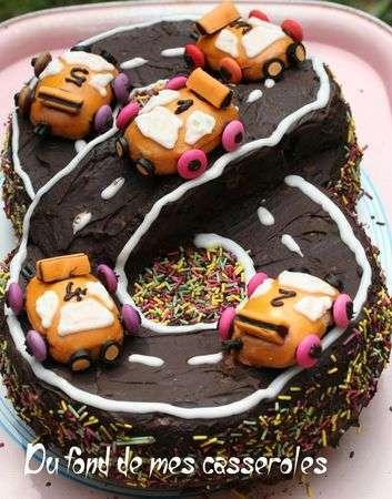 Hervorragend Gâteau d'anniversaire : circuit de voiture - Recette Ptitchef FP81