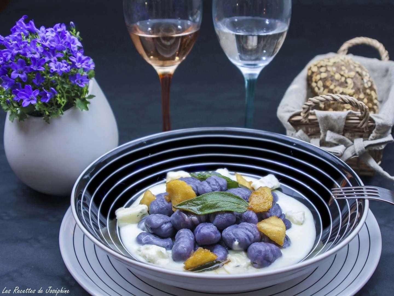 gnocchis de pommes de terre vitelotte recette ptitchef. Black Bedroom Furniture Sets. Home Design Ideas