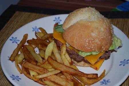 Hamburger maison recette ptitchef - Recette hamburger maison original ...